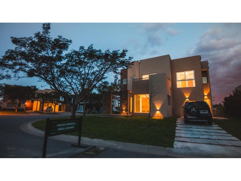 Excelente propiedad en Los Lagos de Nordelta
