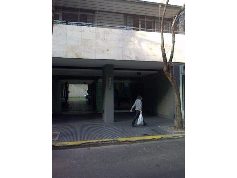 COCHERA FIJA CUBIERTA - MUY CÓMODA CON RENTA
