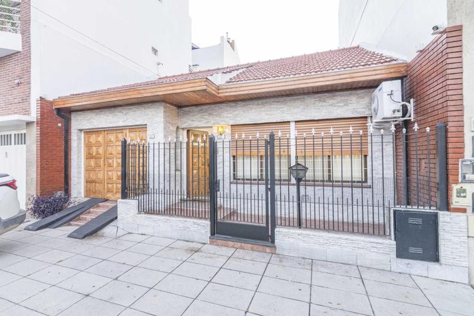 Venta Casa 4 ambientes en Parque Avellaneda