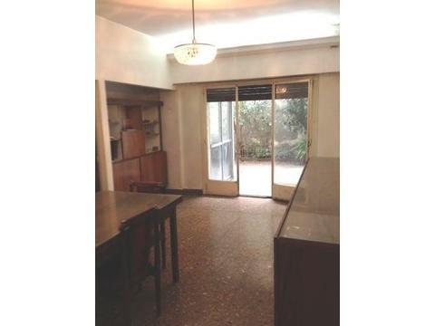 PH 3 Amb. amplios, cocina comedor, lavadero separado. Patio 8,20 x 5,20 c/Play Room. Bajas expensas