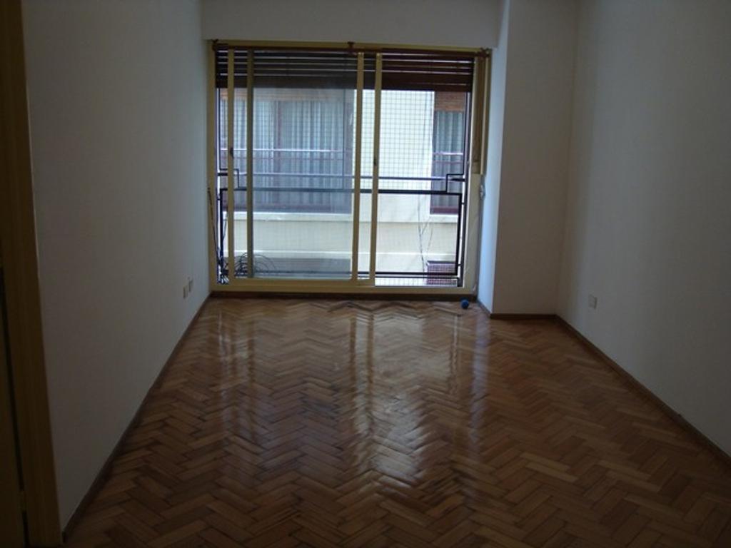 Alquiler de departamento de 3 ambientes en Caballito