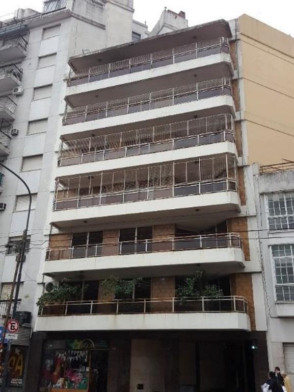 EN VENTA - BARRACAS - ESPECTACULAR PISO de 5 Ambientes con Dependencia