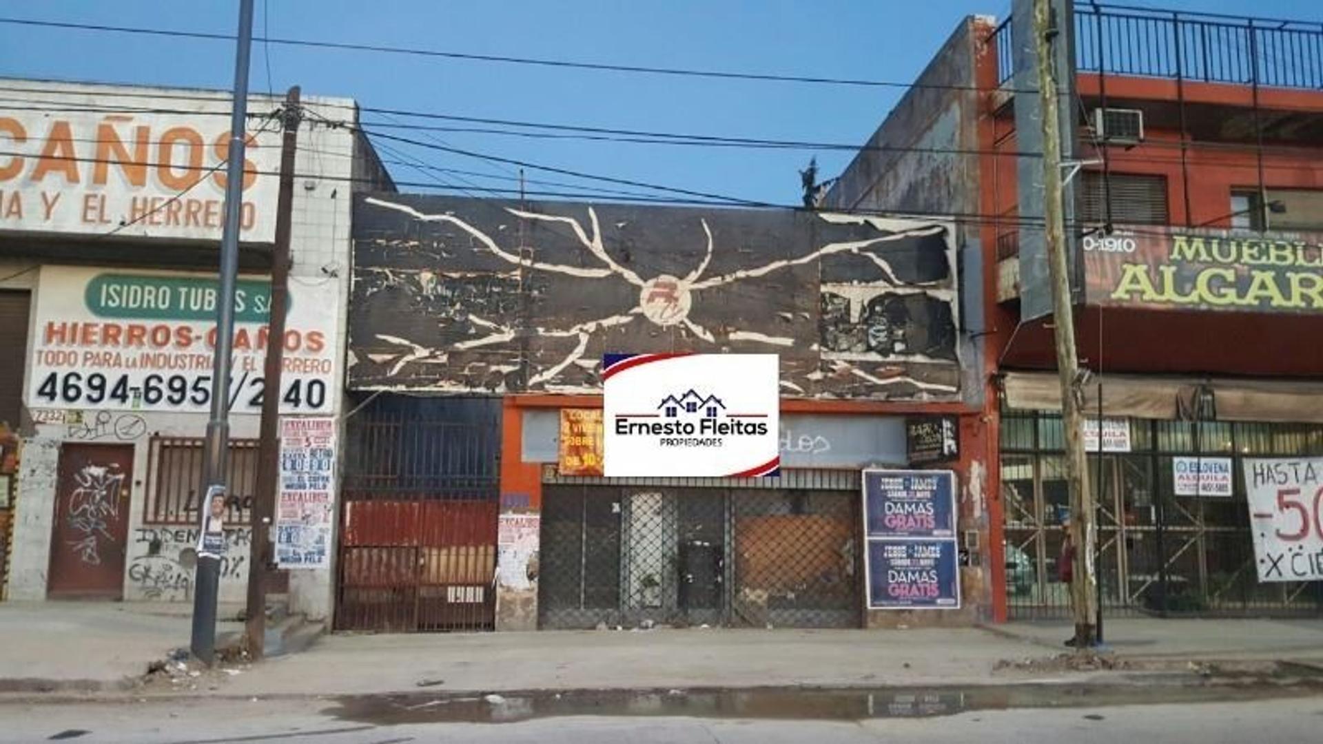 Juan M. de Rosas 7338, Isidro Casanova. Propiedad con excelente ubicación comercial en I. Casanova