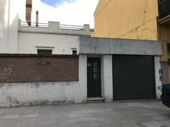 alquiler de amplia casa en liniers/villa luro