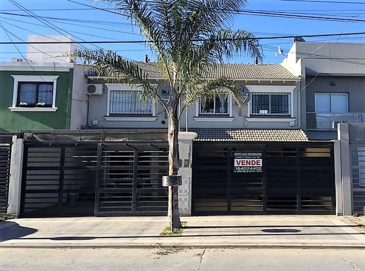 Casa en Venta en Barrio Grand Bourg
