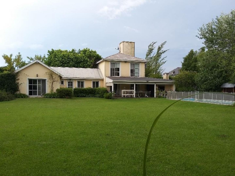 Casa en venta en Bº Santa María de Tigre, 5 dorm y 3 baños, TIGRE
