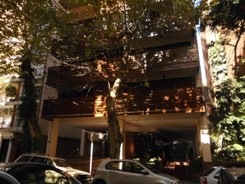Venta excelente semipiso de 5 ambientes al frente con cochera  en Belgrano.