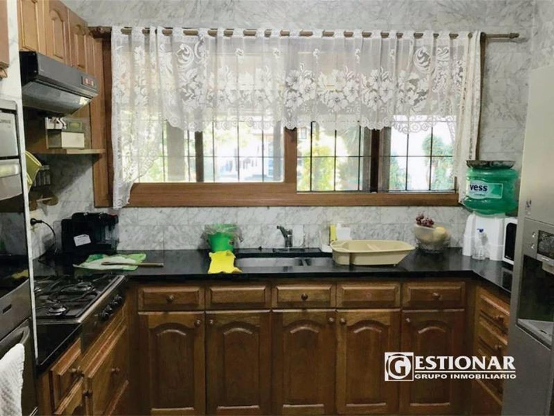 Casa 5 ambientes en venta Valentin Alsina