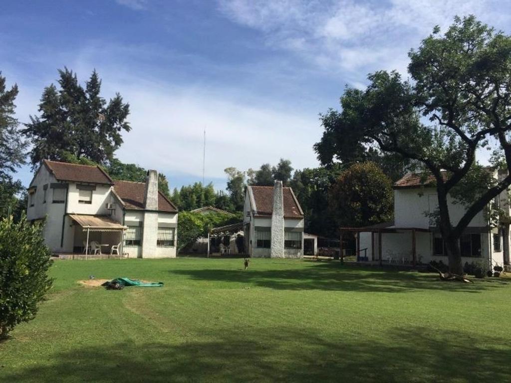 gran quinta en tortuguitas con 3 casas y casa de caseros, 2500 m2 de terreno, impecable