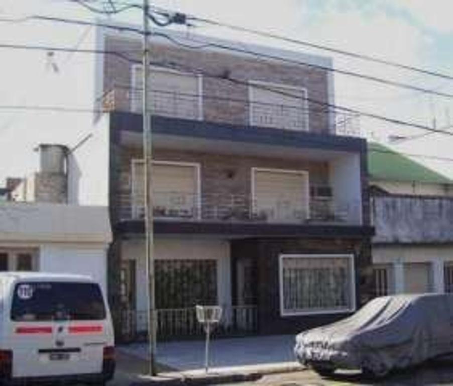Departamento tipo casa en Venta de 4 ambientes en Capital Federal, Paternal