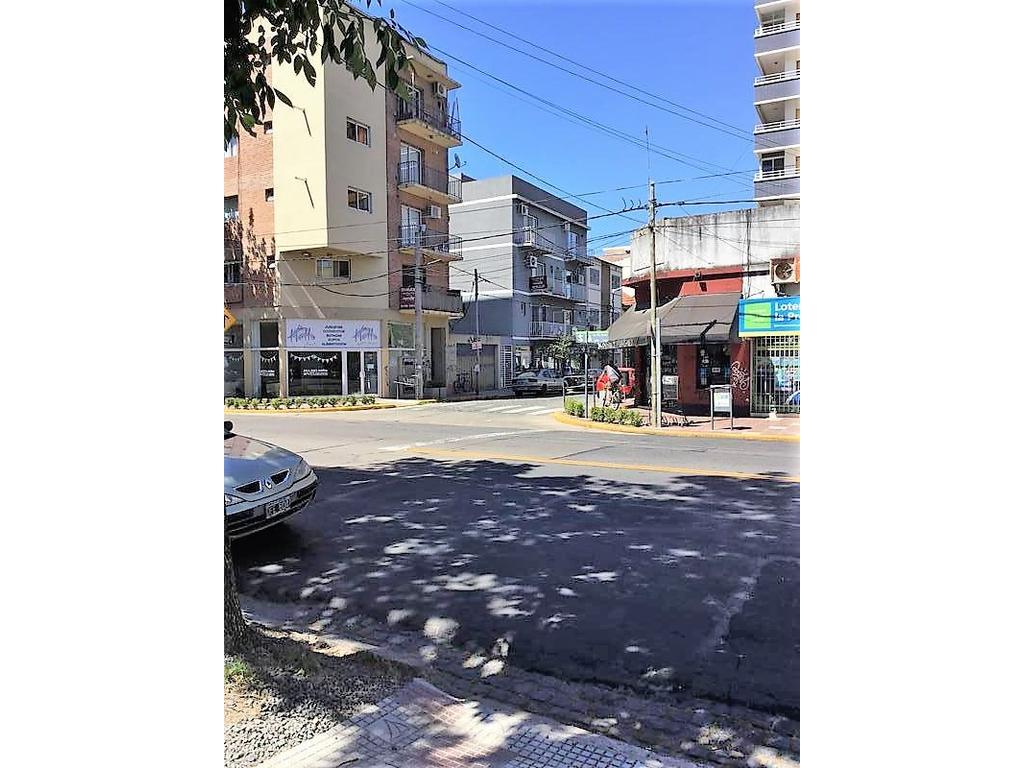 Departamento 2 amb Centro de Victoria mtrs Av. Perón