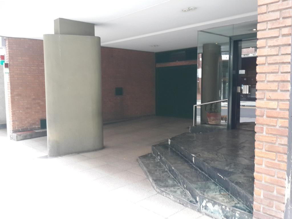 EXCELENTE SEMIPISO DE 100 M2 EN RECOLETA (CALLE ANCHORENA, CASI JUNCAL) CON COCHERA Y BAULERA