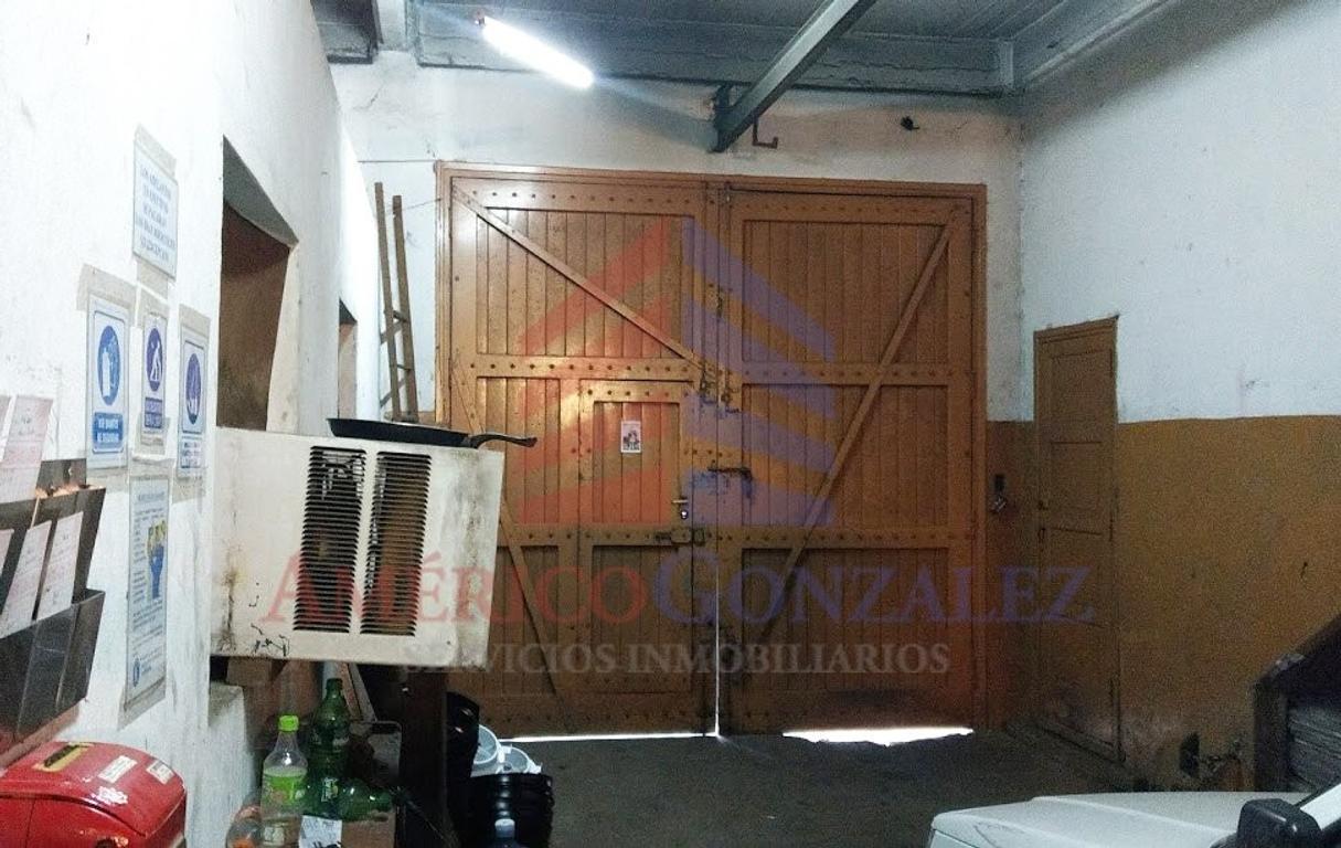 XINTEL(AME-AME-728) Galpón - Venta - Argentina, Lanus - REMEDIOS DE ESCALADA DE SAN MARTIN 3617