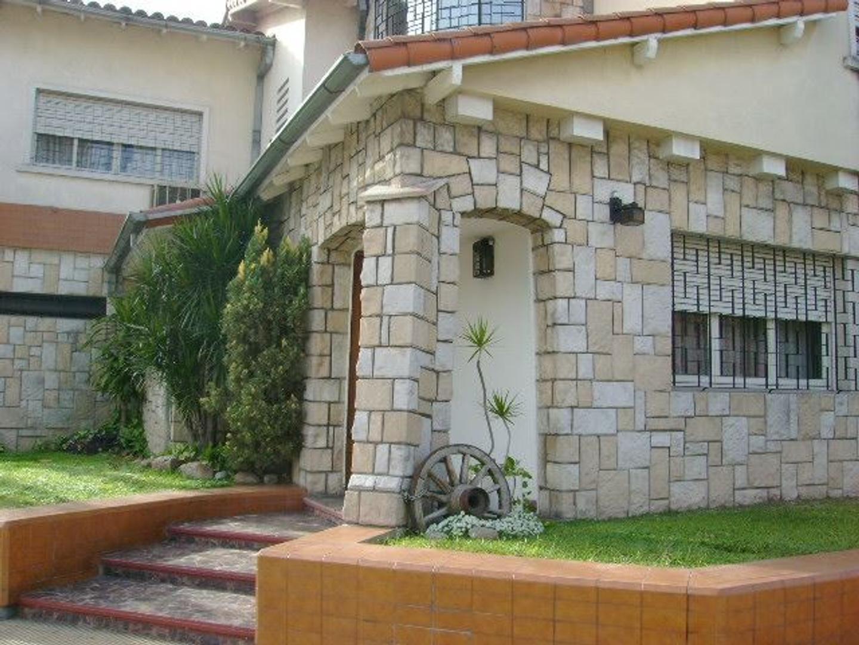 Casa 4 ambientes en Villa Devoto