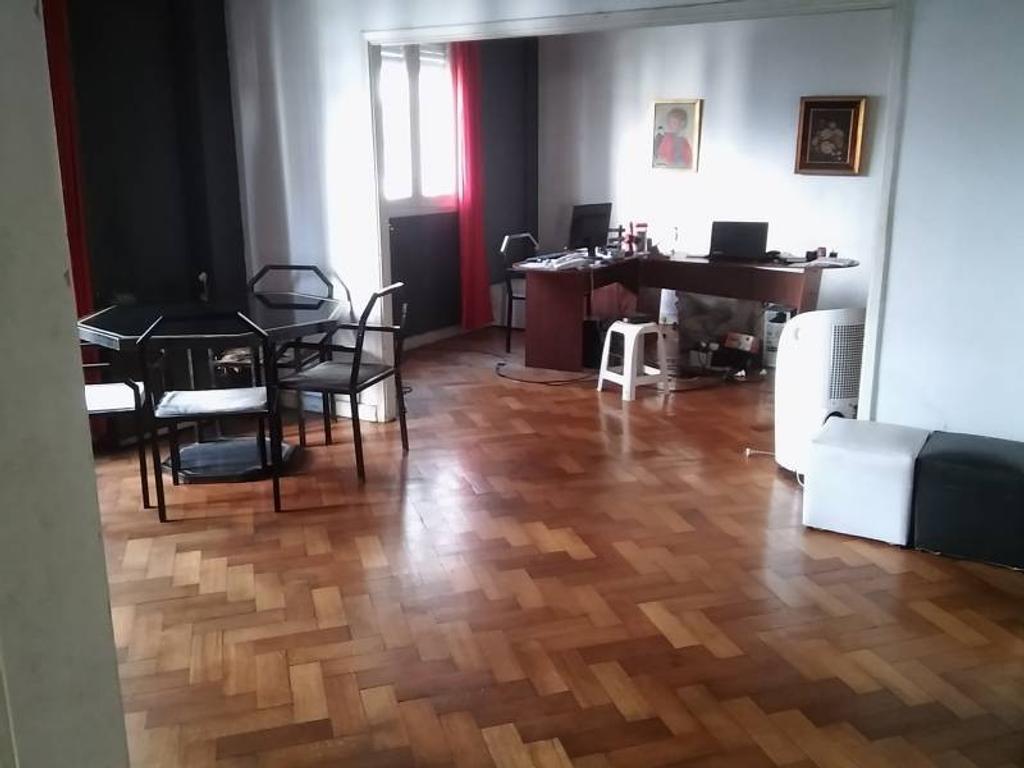 4 ambientes con dependencias estilo antiguo Zona Facultades