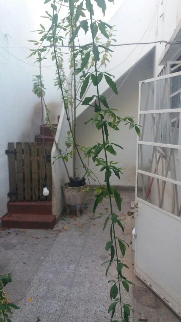 Casa 3 ambientes C/ Patio y Terraza