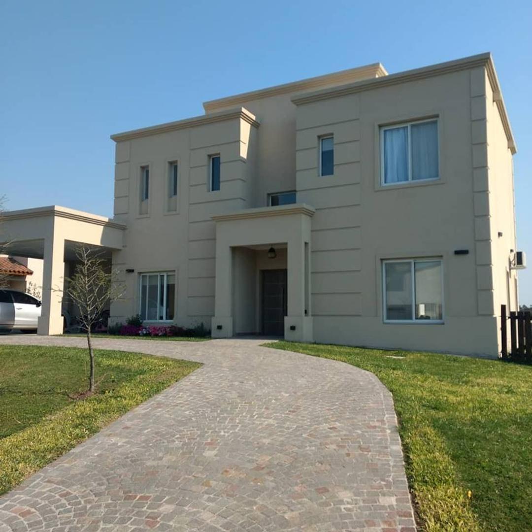 Casa en Venta en Smithfield - 4 ambientes