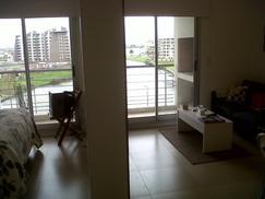 AMLPIO Y LUMINOSO DEPARTAMENTO, DORMITORIO, LIVING, CON BALCON, TODO EXTERNO, 45 m2COCHERA Y BAULERA