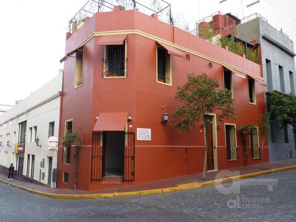 Local en San Telmo. La mejor ubicación Sobre casco histórico. A mts de calle Defensa