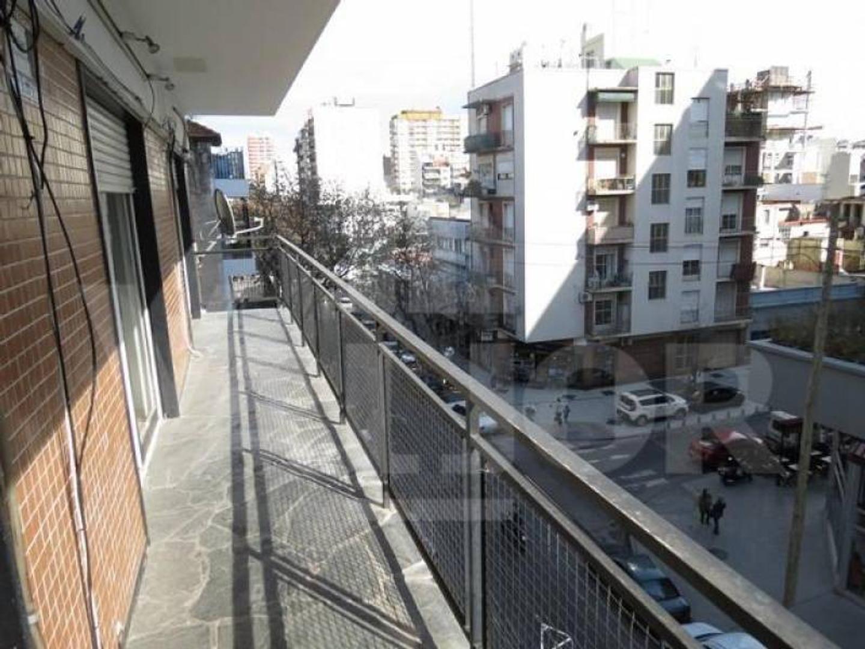 Blanco Encalada 4800, Departamento 4 Ambientes c/Balcón