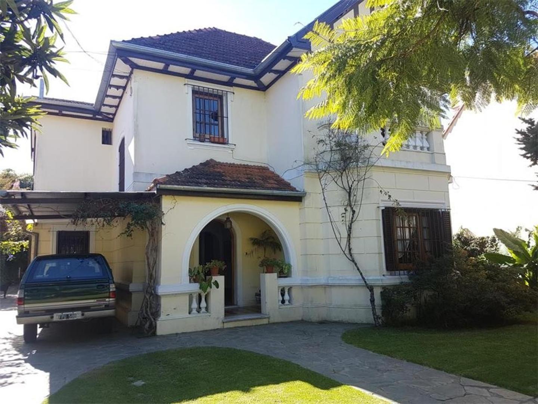 Casa en Alquiler en Olivos Vias/Maipu - 6 ambientes