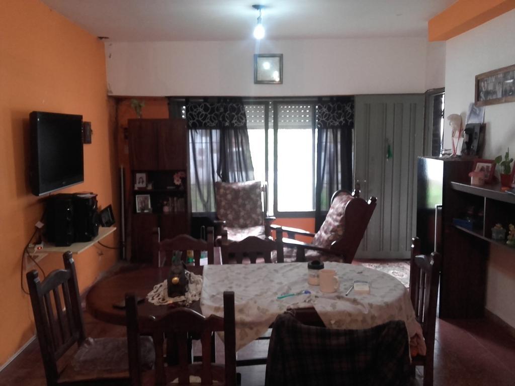Oportunidad casa tipo americana en Castelar Sur, calle La Tribuna 1700
