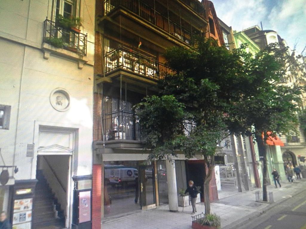 Departamento en alquiler en arenales 1317 recoleta for Pisos alquiler arenales
