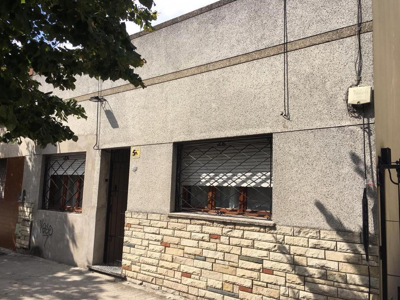Casa 4 ambientes, reciclada a nueva, apto credito! Laurenzano Propiedades 4504-3320