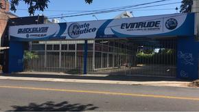 Excelente local comercial en Punta Chica