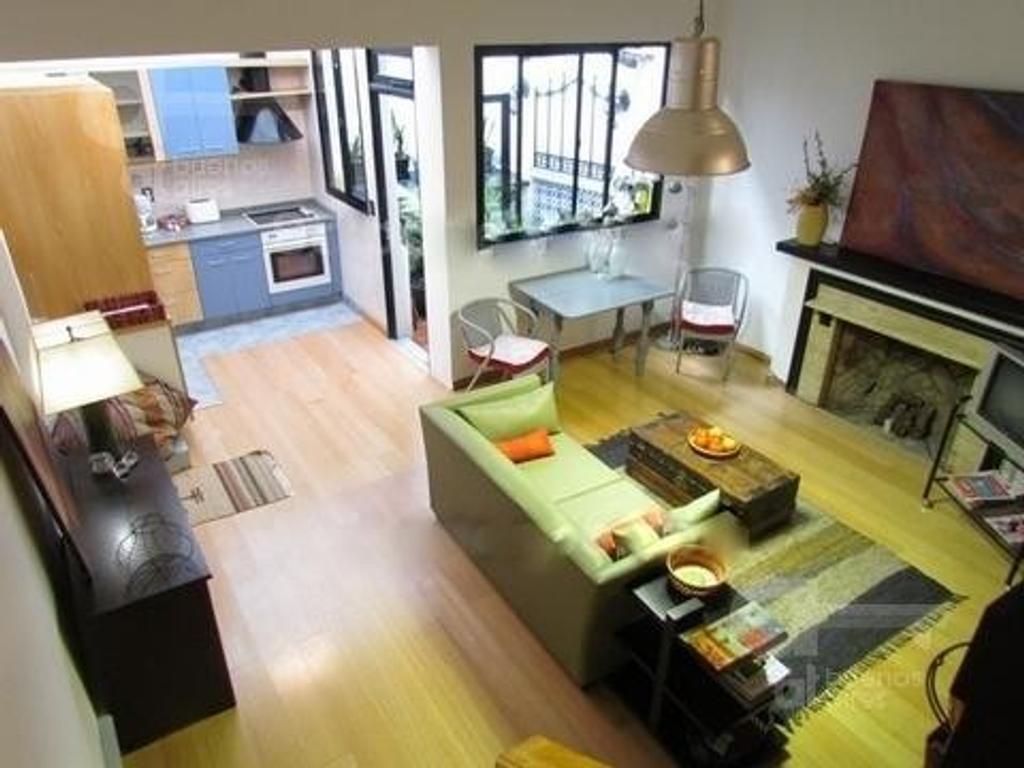 Plaza San Martín. Duplex 2 ambientes. Alquiler temporario sin garantías.