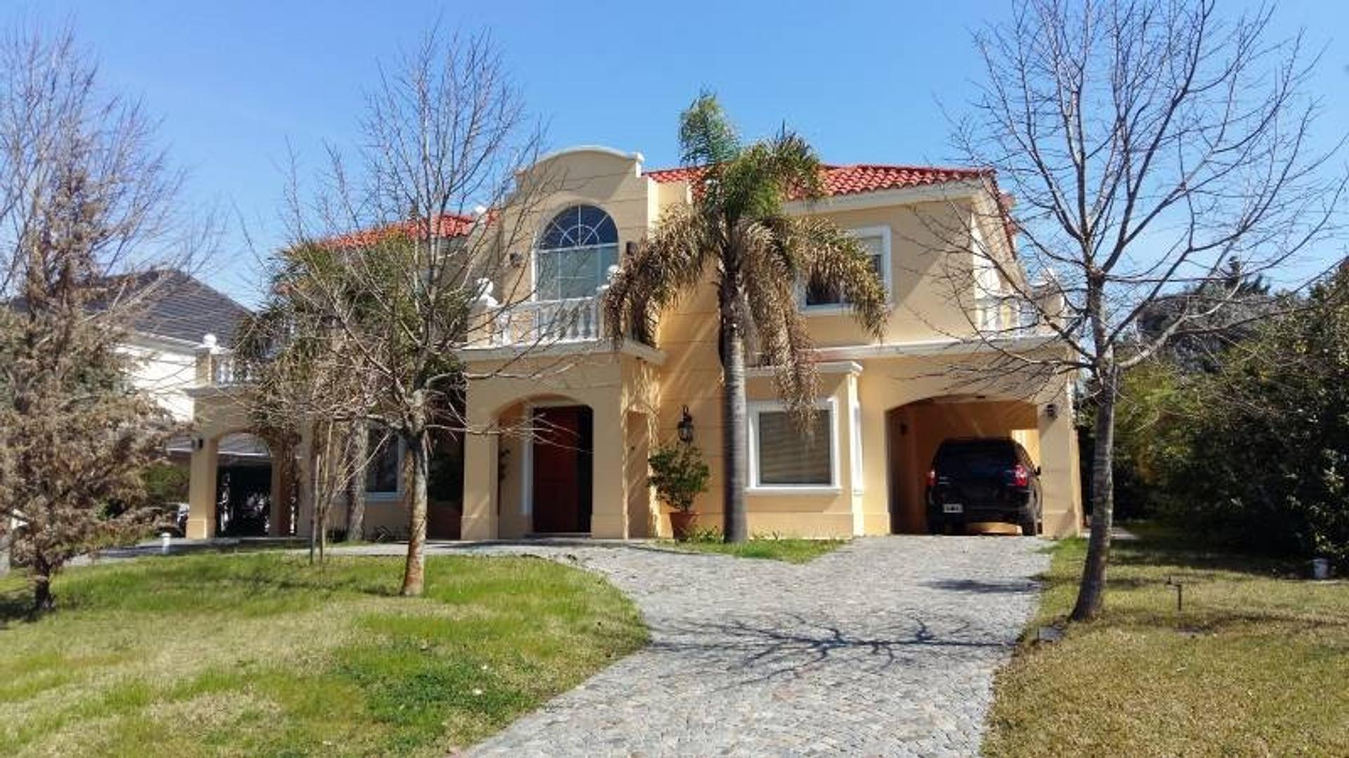 Casa en venta en el barrio Las Caletas - Nordelta - Tigre Estilo Neo Portugues