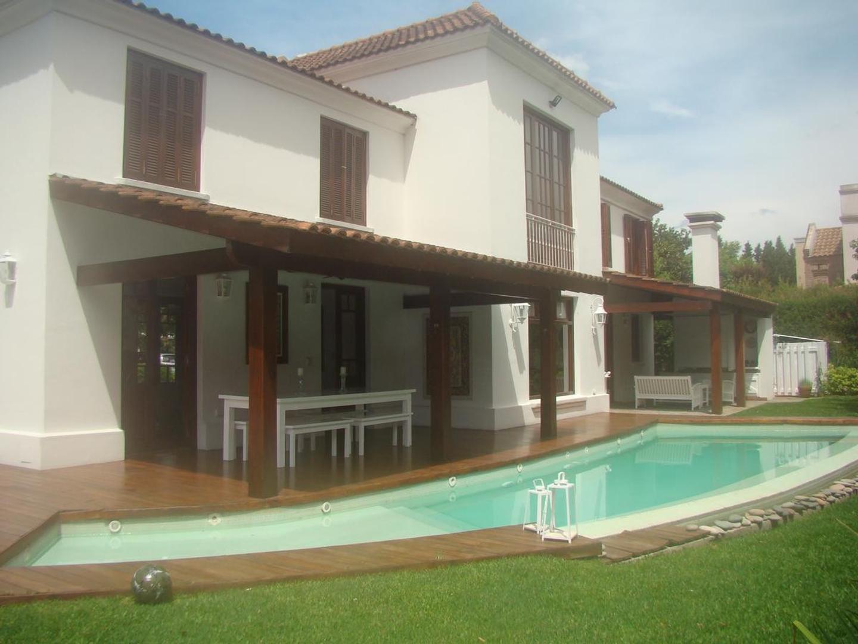 Casa en Venta en La Martinica - 6 ambientes