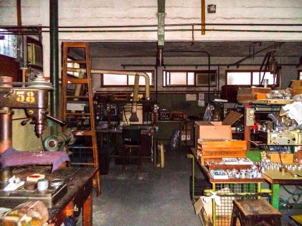 Galpón y fábrica en Villa Martelli