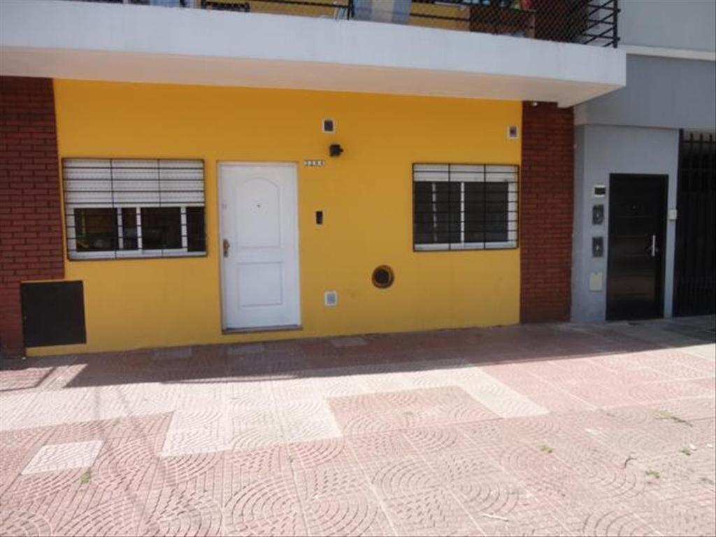 Departamento tipo casa en Venta de 3 ambientes en Capital Federal, Villa Pueyrredon