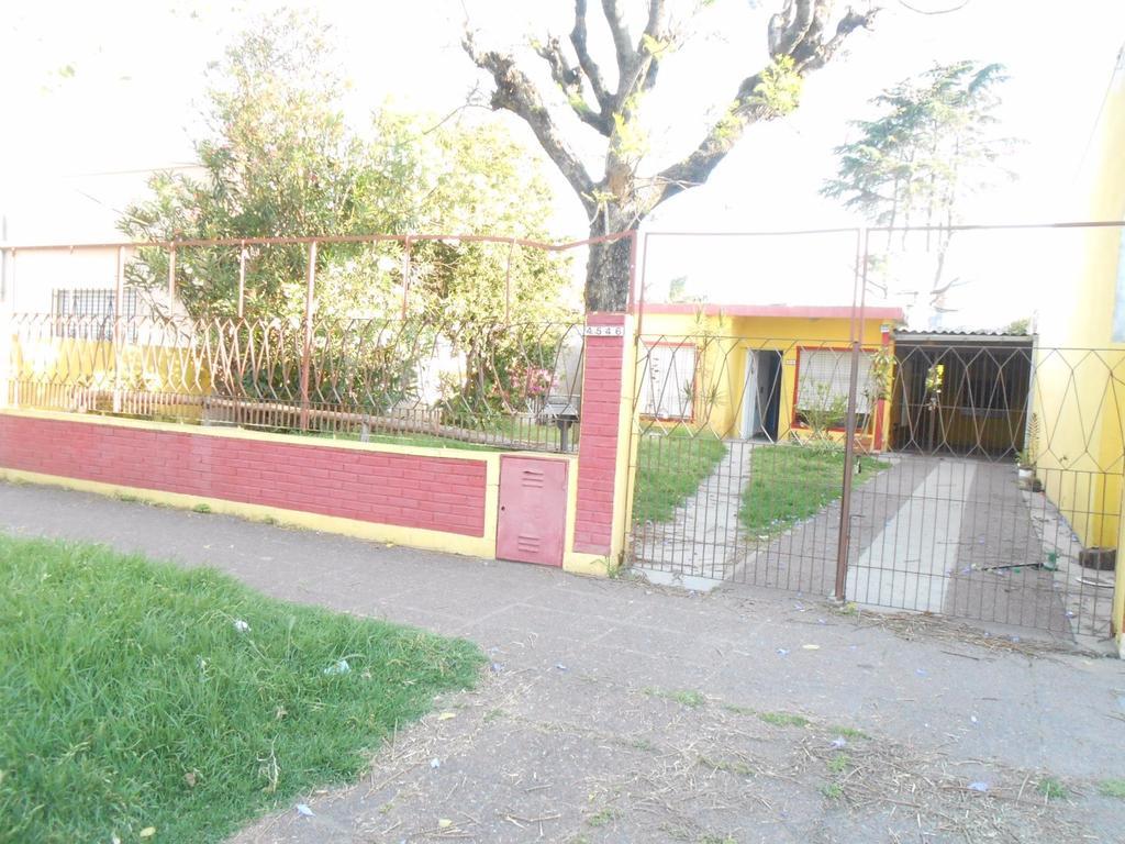 Casa en alquiler en diagonal 95 4546 villa ballester for Jardin belen villa ballester