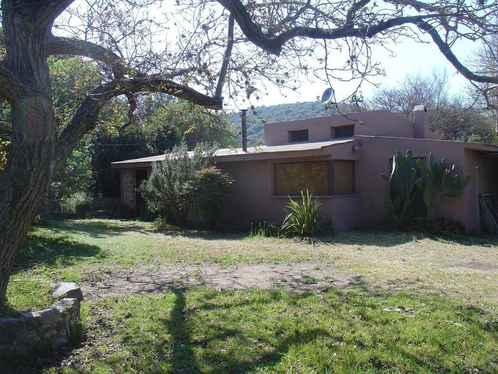 vendo casa de campo( La Carmencita) en el camino de los artesanos al pie de la sierra .