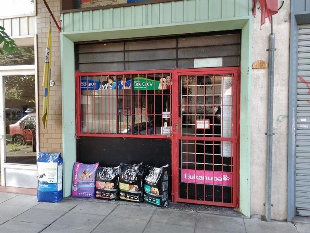 Caseros Local en la vía pública Zona comercial Ideal inversor