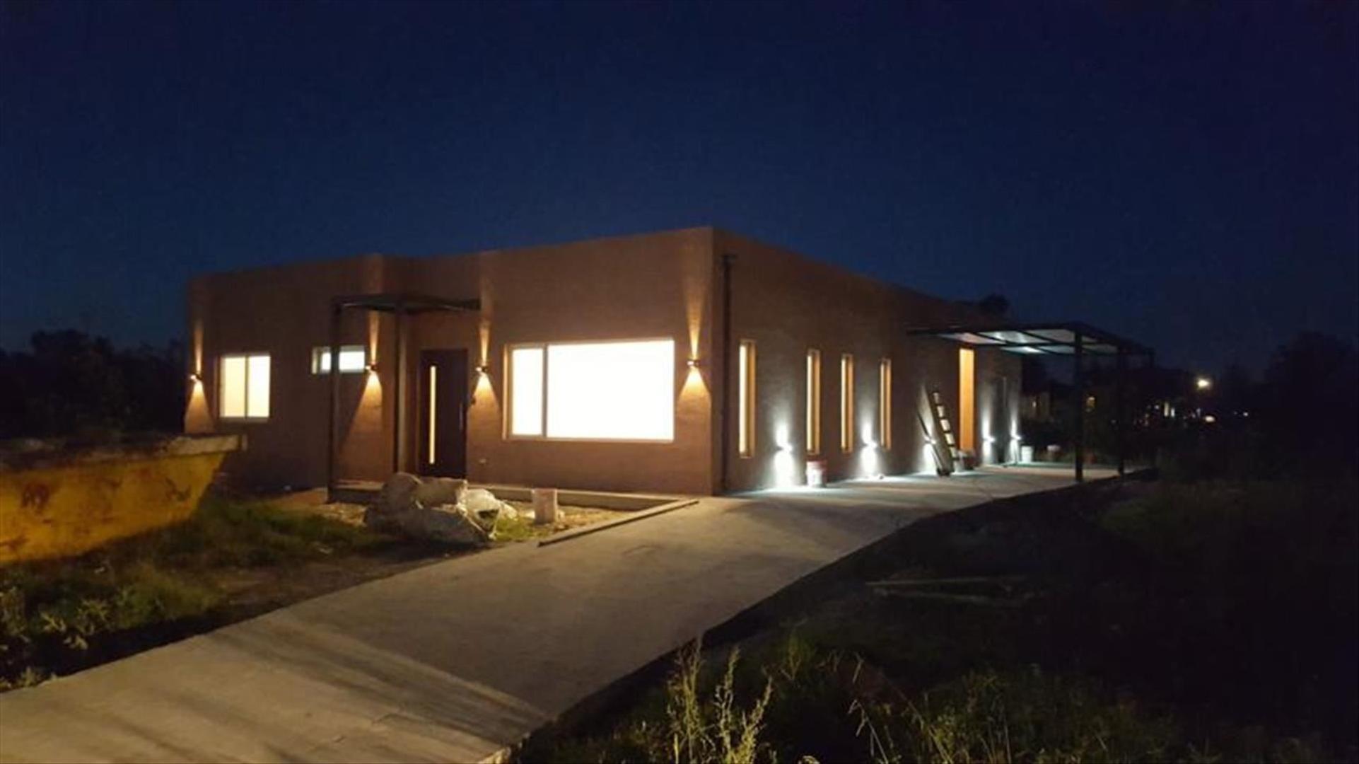 Casa en Venta en La cañada de Pilar - 4 ambientes