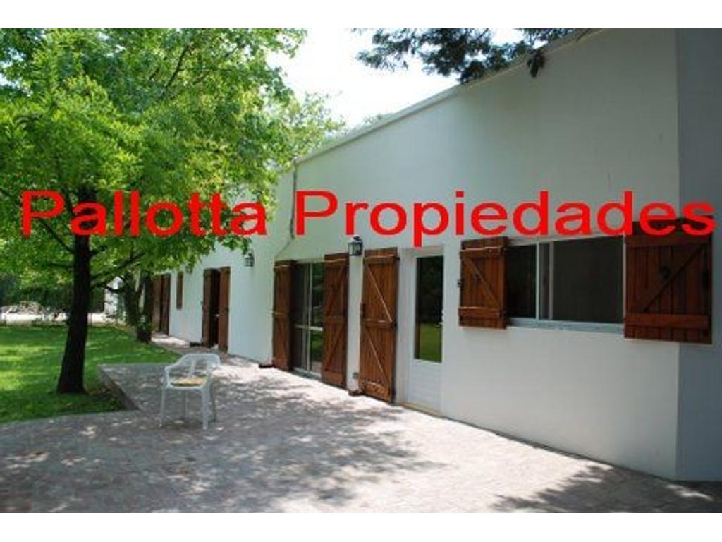 Casa sobre lote de 1600m2 en Maschwitz,La Bota