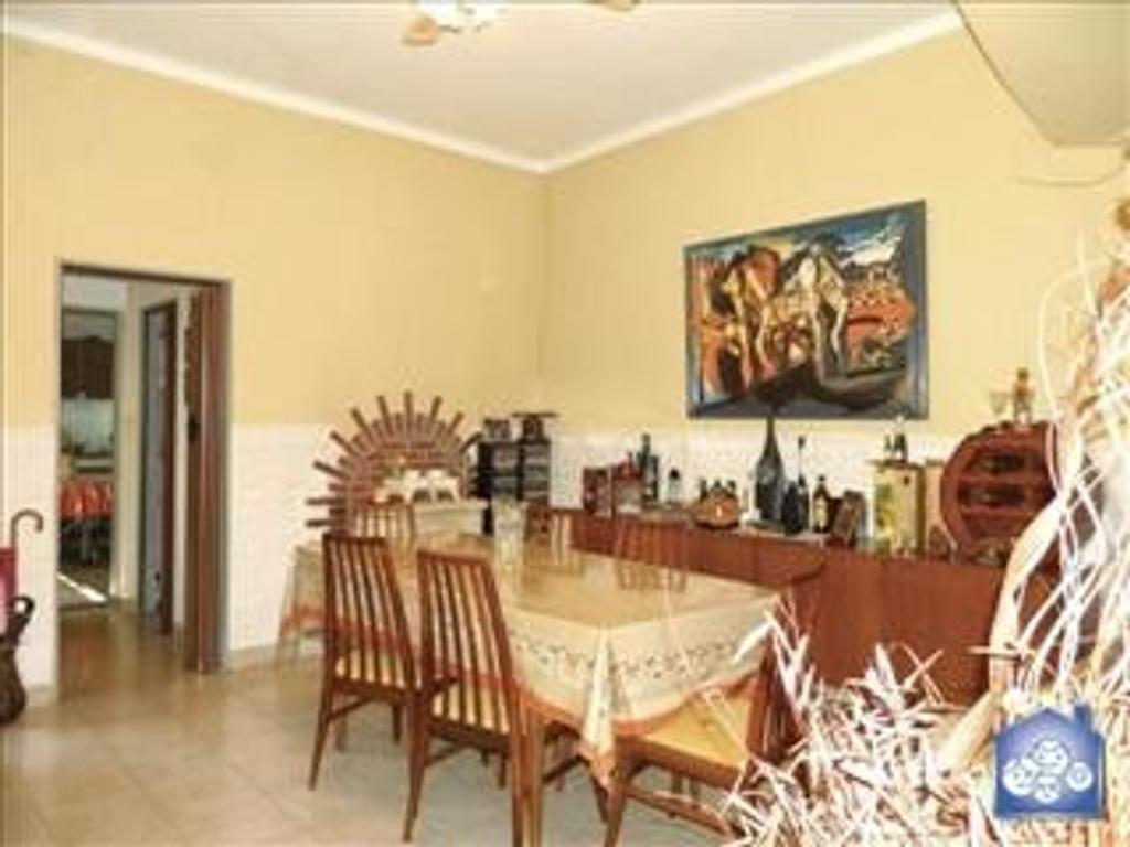 Departamento tipo casa en Venta de 3 ambientes en Capital Federal, Flores