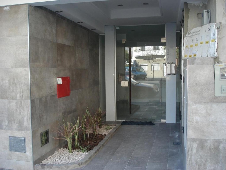 V.LURO. R-Falcon-6200-Semipiso-2-Ambientes-Frente-Balcon-Patio-A-Estrenar-DE CATEGORIA.  - 2 ambientes