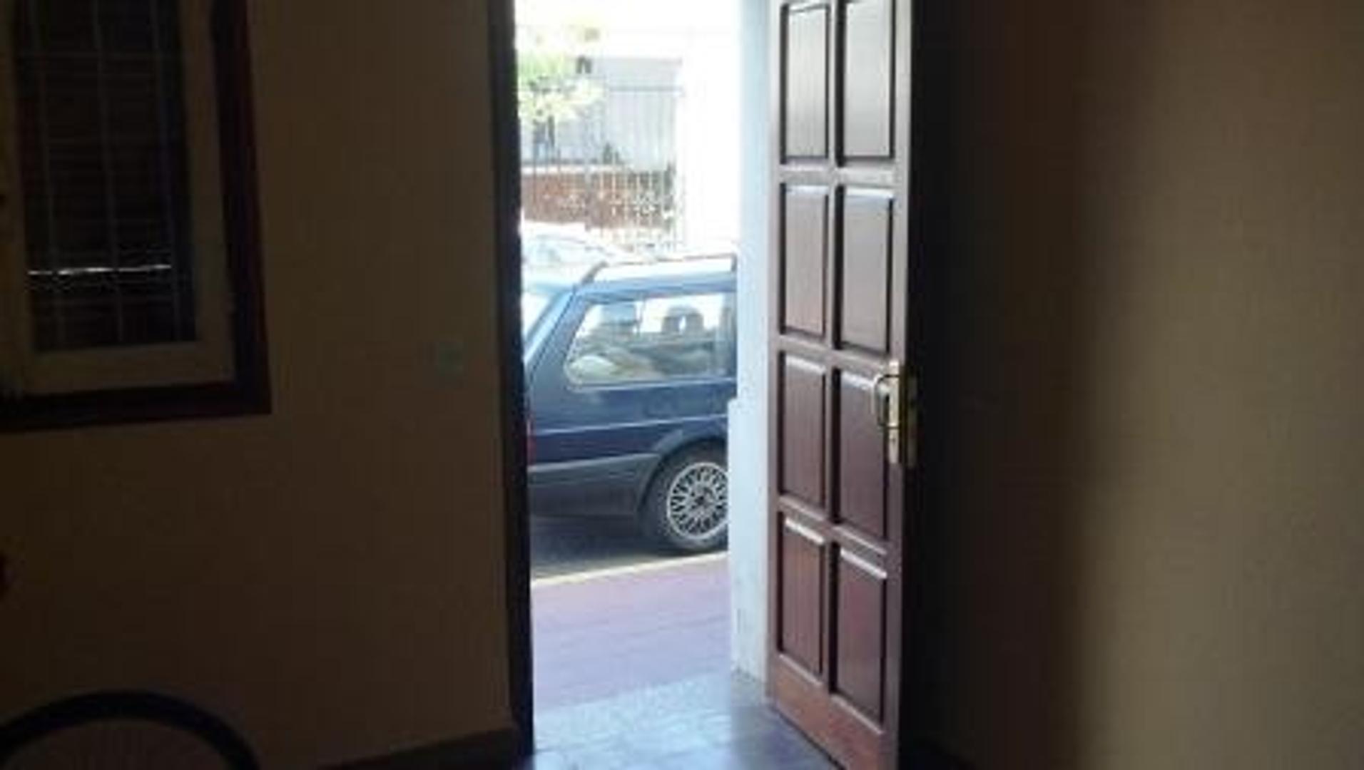 Excelente casa de 3 ambientes (2 dormitorios) Centro de San Luis Capital