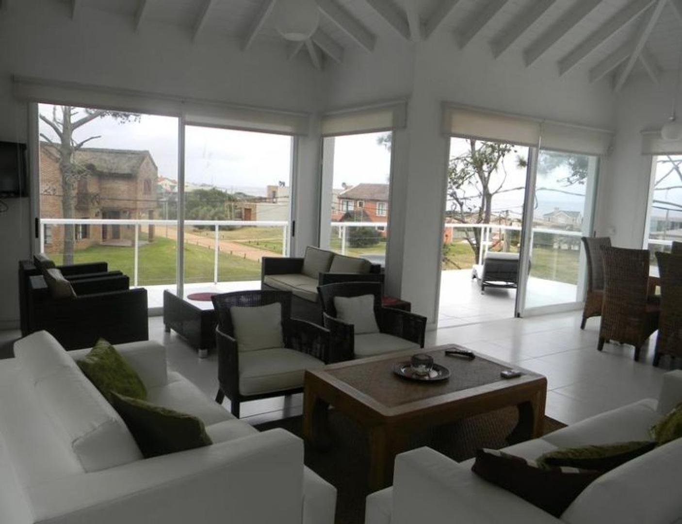 Casa en Alquiler Por Temporada - 7 ambientes - $ 9.500
