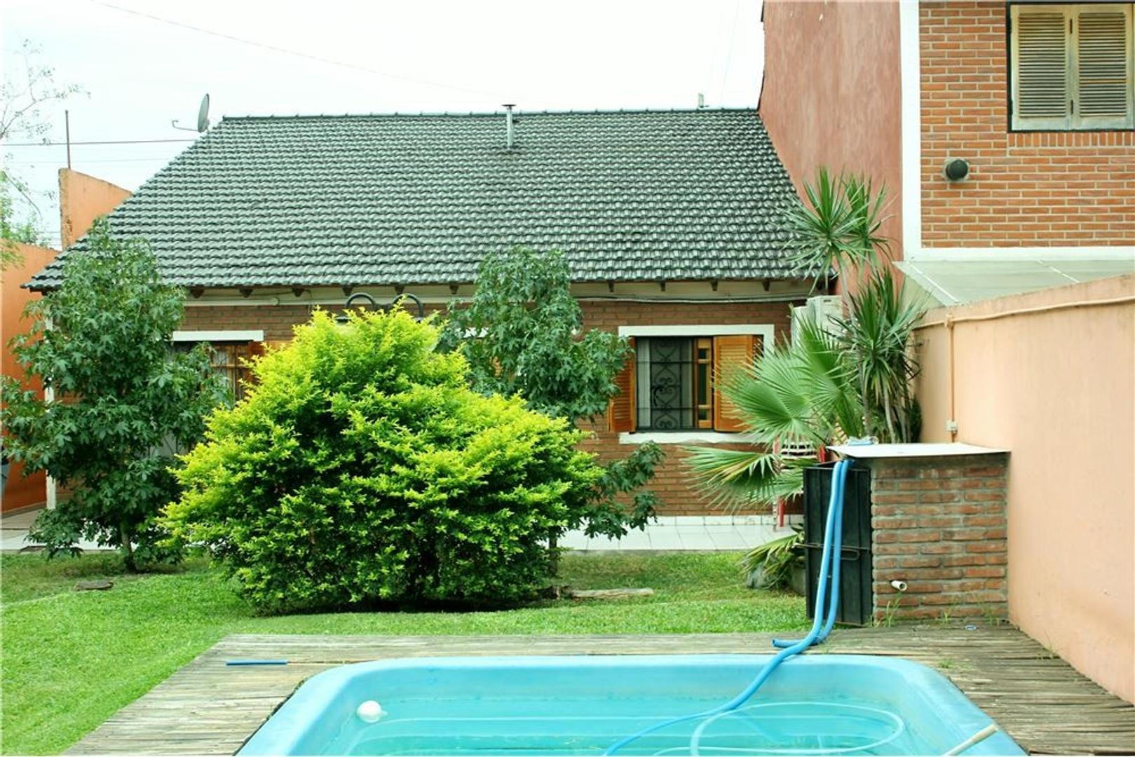 Casa 4 Amb, 10m x 39.54m Parque,Piscina,Cochera