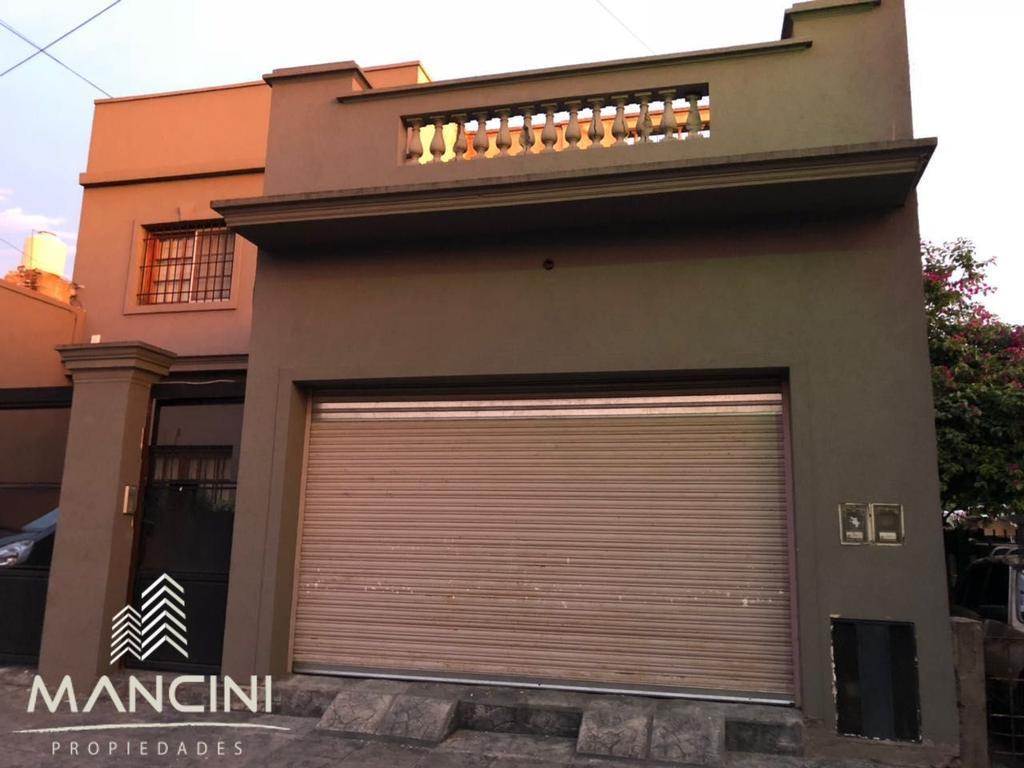 Alquiler - J. L. Suarez - Casa 3 Amb en 2 plantas c/ Cochera, Patio y Terraza