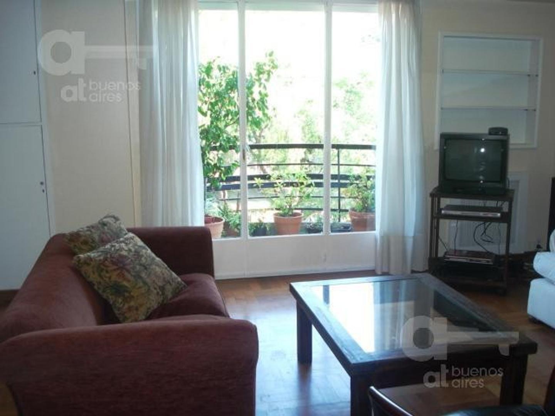 Recoleta. Departamento 4 ambientes con balcón. Alquiler temporario sin garantías.