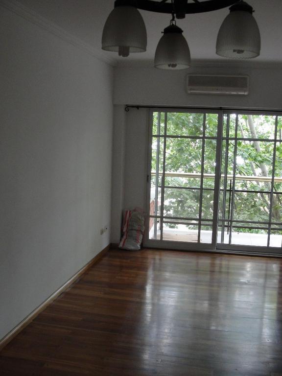 Hermoso Departamento de 3 ambientes al frente con cochera cubierta