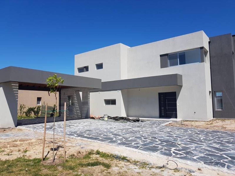 Casa a la venta en el barrio san Gabriel  Villa Nueva Tigre