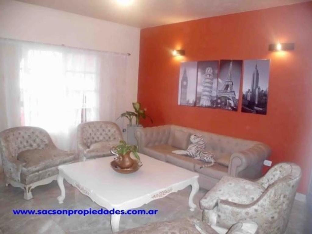 V419 Moron venta Casa 4 amb .con patio, piscina, parrilla y quincho y cochera Consultas: 4656-0788