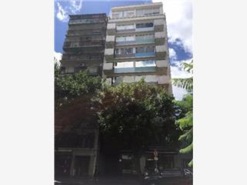 Alquiler de Oficina PLANTA LIBRE 100 M2, Sobre Avenida. Exce